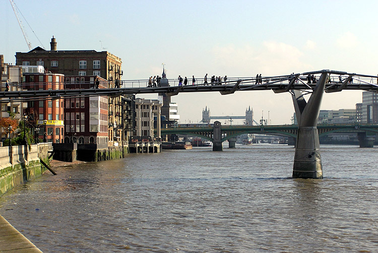 The London Millennium Bridge
