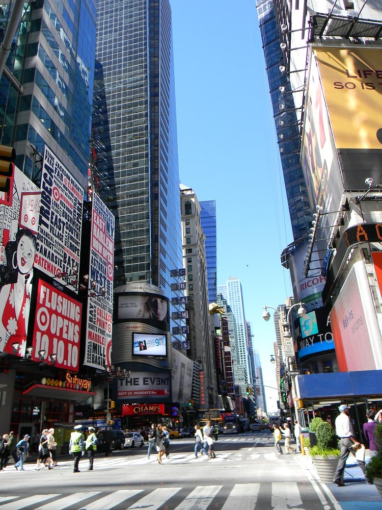Times square new york city location best time to visit for Best time to see new york