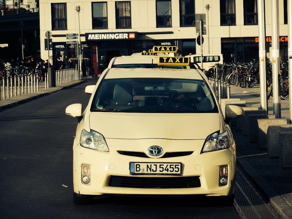 Cabs at Berlin Hauptbahnhof