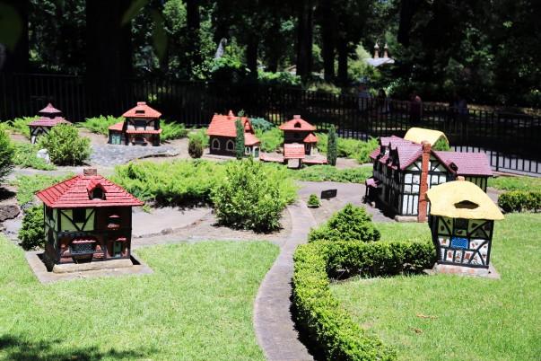 Le villagede Miniature Tudor à Fitzroy Gardens