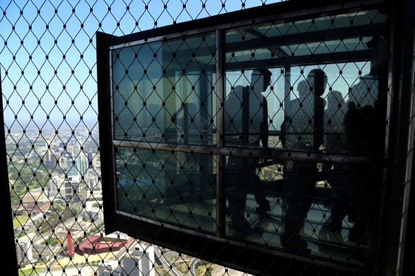 'The Edge' a glass cube extending from the building edge at Eureka Sky deck