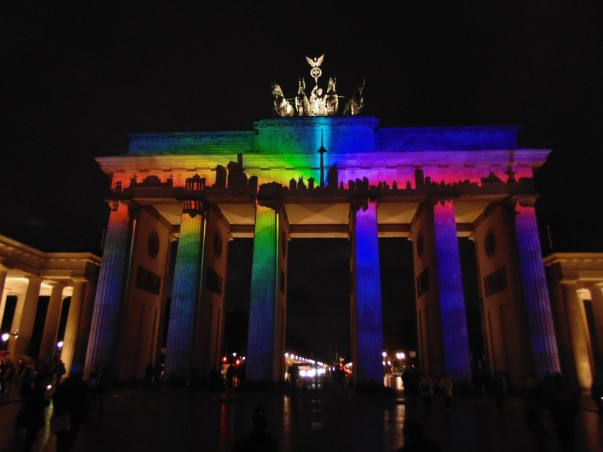 Brandenburg Gate  illuminated with 3D light projections