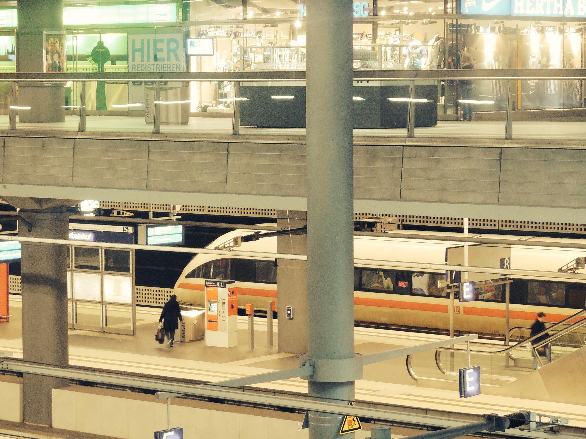 Trains at Berlin Hauptbahnhof