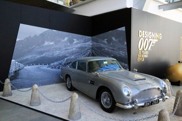 Aston martin: A perfect Bon's gadget from 1964