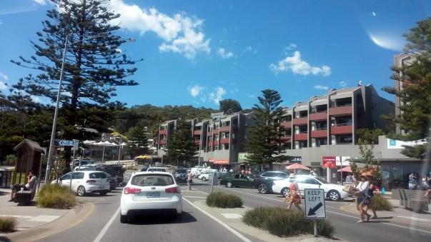 Lorne Beach Resorts