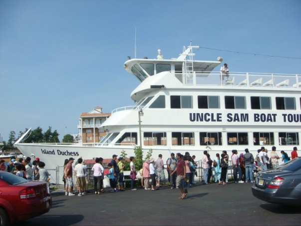 The most popular 1000 islands cruise
