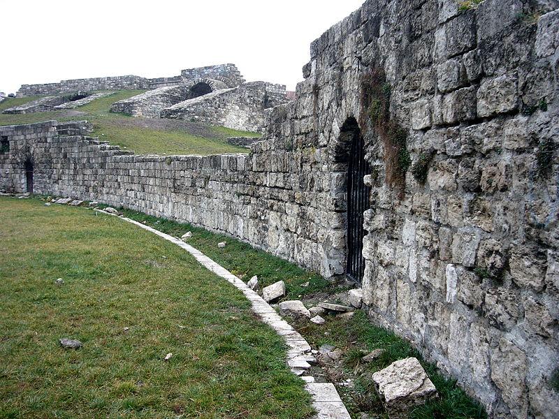 Explore the magnificent ruins of the Roman amphitheatre at Aquincum.