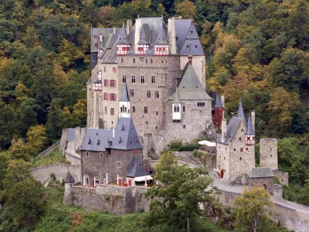 Burg Eltz, castles around the world