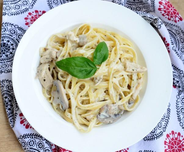 Chicken & Mushroom Fettuccine Alfredo Recipe