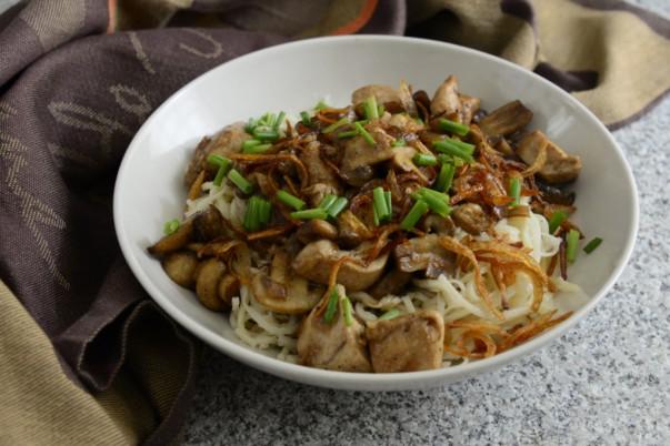 Indonesian Chicken Mushroom Noodles