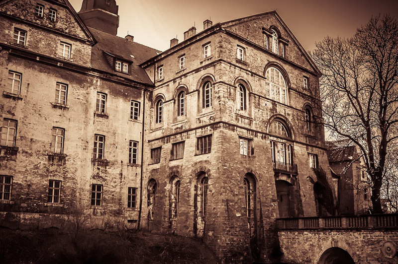Top 6 Creepiest Castles in Scotland to Visit This Halloween