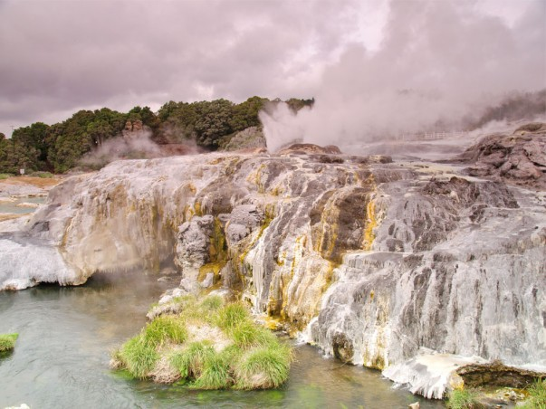 Pohutu Geyser at Geyserland, New Zealand