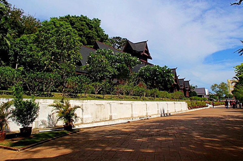 Repilca of Melaka Sultana