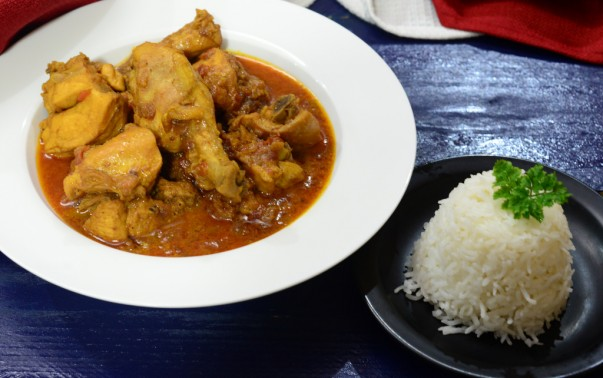 Wali with Chicken Curry Served