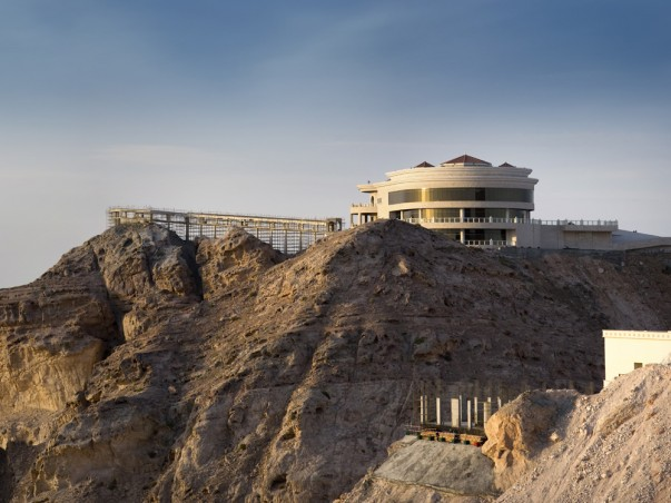 Journey to the spectacular Jebel Hafeet Mountain