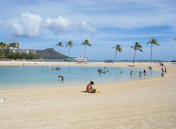 Kahanamoku Beach in Waikiki, Honolulu