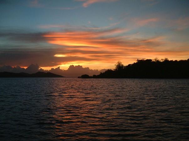 Atardecer en Nananu-i-Ra, Fiji
