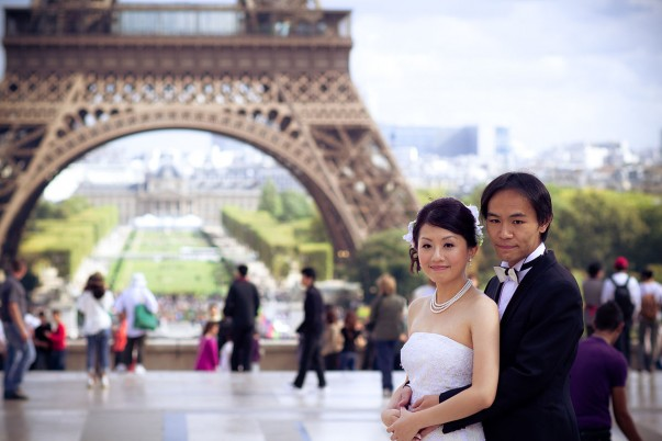 Wondering what makes Paris a dream wedding destination? Read on!