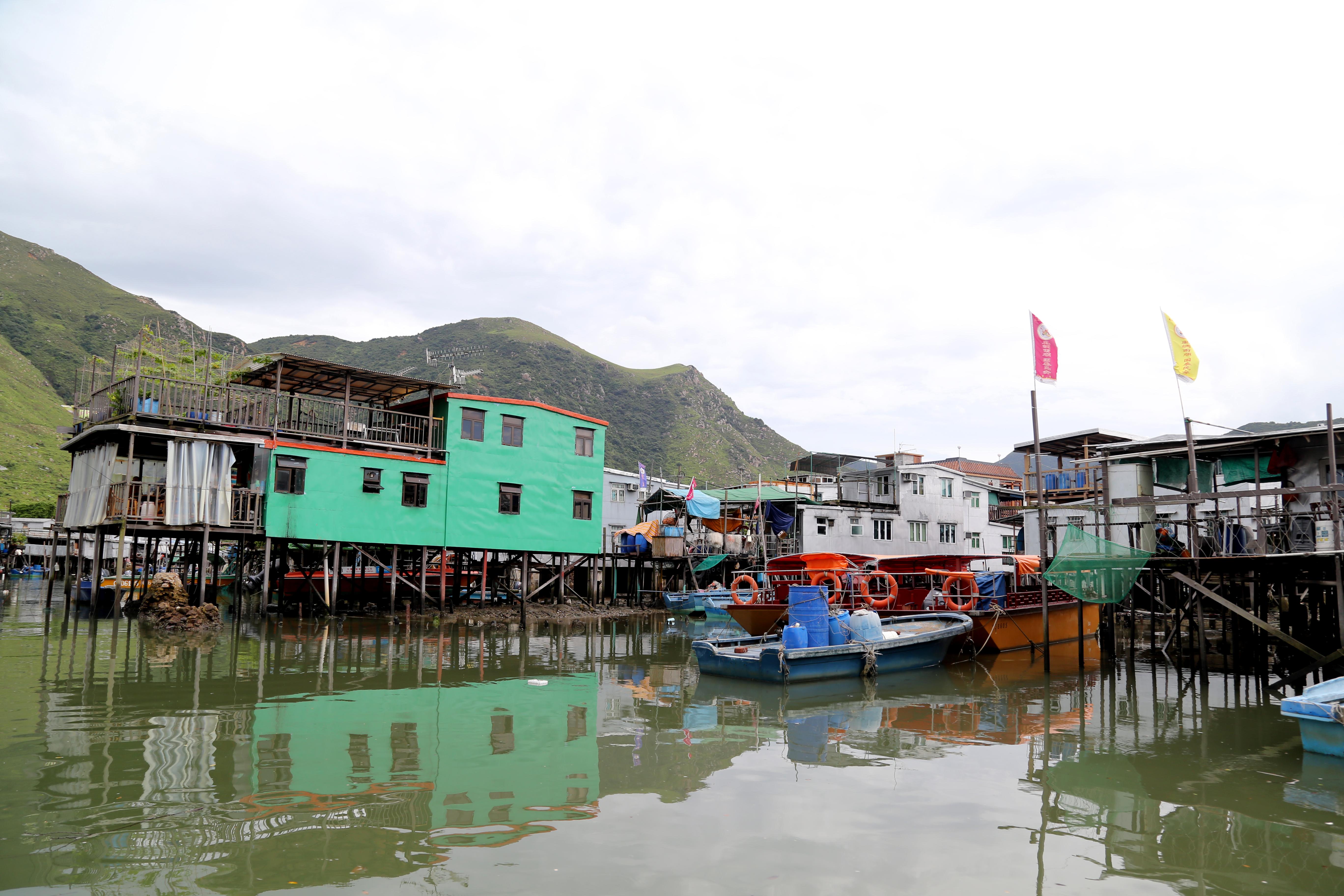 Tai O fishing Village and Dolphin cruise at Lantau Island